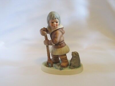 """Goebel """"Fish for Two"""" Eskimo with Seal, 6 inch figurine, 1978 (11 609-14)"""