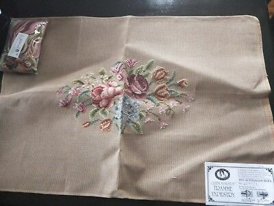 BRAND NEW QUEEN ADELAIDE Trammed TAPESTRY CANVAS & WOOL No. 2097/3