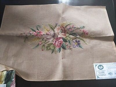BRAND NEW QUEEN ADELAIDE Trammed TAPESTRY CANVAS & WOOL No. 2097/2
