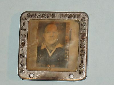 1930s EMPLOYEE BADGE~ QUAKER STATE OIL REFINING CORPORATION~ VERY RARE~LOOK