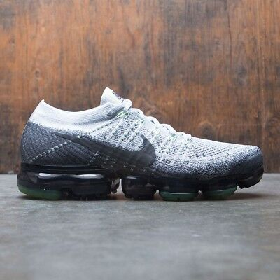 Nike Air Vapormax Flyknit Heritage Neon Size 10.5. 922915-002 2017 air 95 97