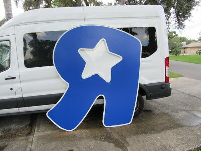 Toys R Us Store Front Signs Huge Nice Shape Local Pick Up Only 33809