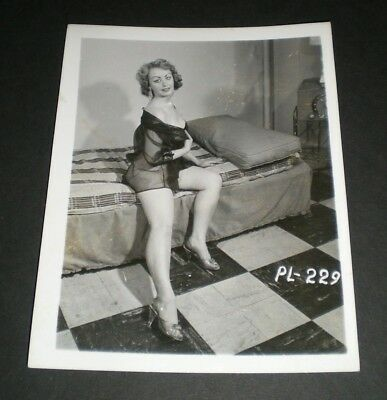 SULTRY BUSTY MODEL - Vintage 4x5 Photo - Original/PinUp/Girl/Nude/Art/1950/Legs