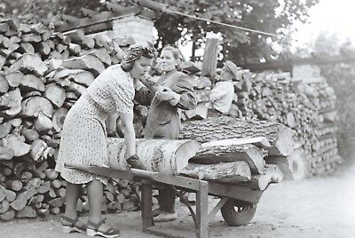 Finland Nostalgia Postcard 1942 Women Workers Halon Harvesting House 42E