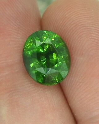 6.27 cts - Top Color Green Zircon With Video!