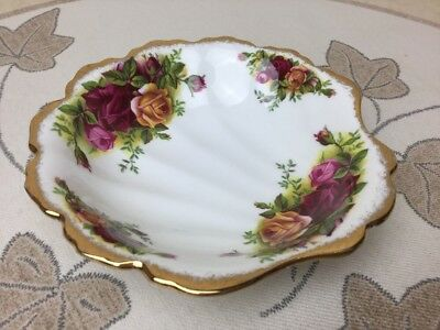 Royal Albert Old Country Roses Shell Dish Sweets Bon-Bon Trinket 1st Early Stamp