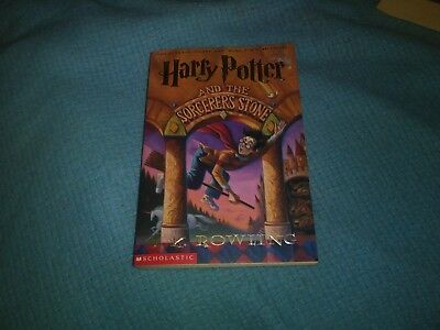 Harry Potter: Harry Potter and the Sorcerer's Stone 1 by J. K. Rowling (1999, P…