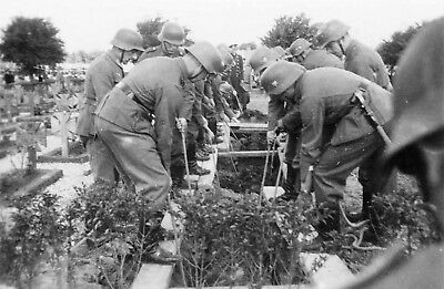 WWII photo German soldiers at the funeral of those killed after the Dieppe 10c