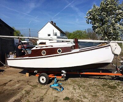 Classic wooden boat and trailer / sailing boat