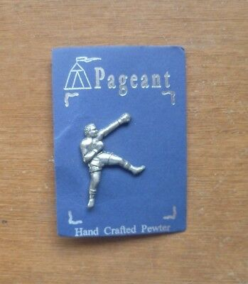Boxing Badge by Pageant (approx. 3cm x 2cm).