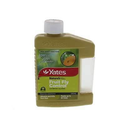 Fruit Fly Control Attracts and Kills Treats up to 30 Trees Yates 200ml