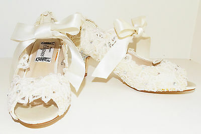 "Project Elegance RITA Lace Shoes ~ Peep Toe ~ 2.5"" Crystal Heel ~ Size 6 ~ cs"