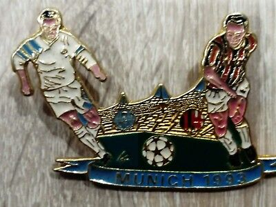 Pin's pins  Football OM Marseille AC Milan . Finale Munich 1993 rare