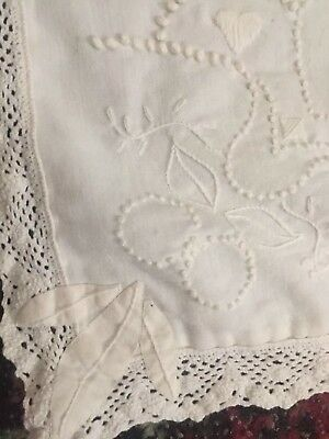 """Vtg Ivory Table Runner Hand Embroidered Hearts Knots Large Crochet Lace 12"""" X 43"""
