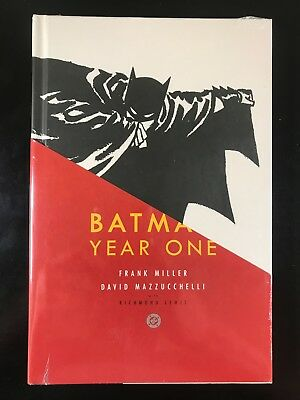 Year One by Frank Miller (2005, Hardcover, Deluxe) E3