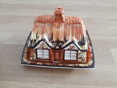 Vintage Cottage Ware cheese / butter dish.