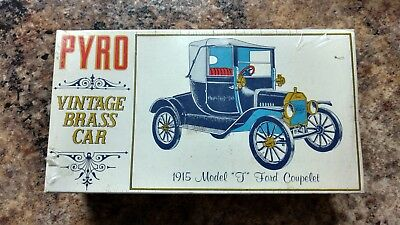 Pyro 1/32 Ford 1915 Model 'T' Coupelet