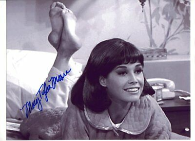 Mary Tyler Moore Signed autograph NO RESERVE B1615