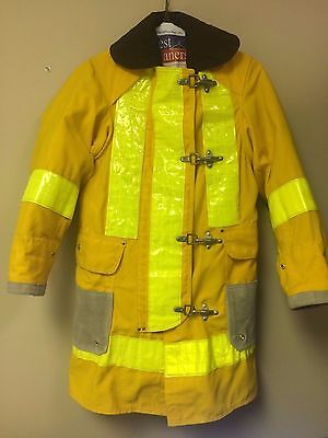 Janesville Firefighter conventional structural Jacket Gear w/liner Size 32/35/31
