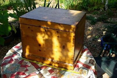 Vintage pine box hand made   Free post .