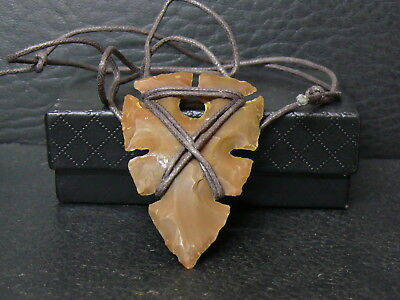 (kB533a) Silex Pendant hand carved (ancient Neolithic style)