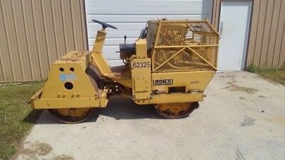 Rosco vibratory compactor roller. Hydropac III with diesel motor, runs well