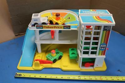 Vintage 1987 Fisher Price Little People Garage 3 cars 2 people everything works
