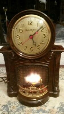 Vintage MasterCrafters Amazing Fireplace Clock Still Works