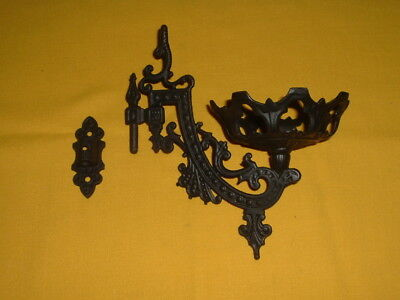 Vintage Cast Iron Wall Sconce Hanging Bracket Oil Lamp / Candle Holder