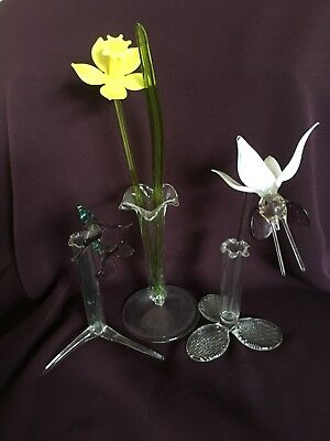 Bundle Of Delicate Glass Flowers In Bud Vases Ornaments Collectible Vgc Rare