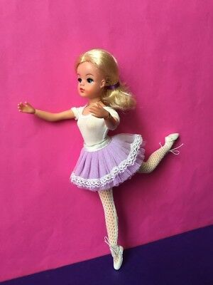 REDUCED Sindy hard head DOLL rivet ballerina 1975 active ankles pose SHIMMYSHIM