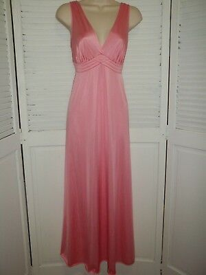 Vintage Vanity Fair Size 34 Nylon Antron III Swiss Pink Long Nightgown