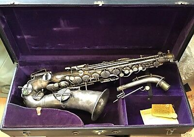 BUESCHER VINTAGE SAXOPHONE TRUE TONE LOW PITCH With Chase