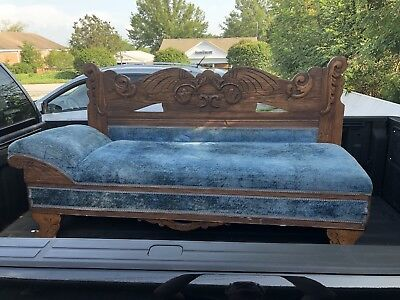 ANTIQUE FAINTING COUCH Walnut Wood Parlor Room Furniture Lounge Late 1800s