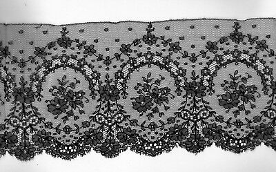 "Antique  Black Lace. Dainty Floral Design on Net  3 yd. 6"" Original Lot  Vf,"