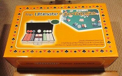 THE ULTIMATE POKER GAME SET with 300 Chips, Cards, & Dice