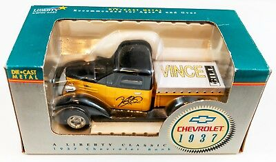 Liberty Classic 1937 Chevy Truck Die-Cast Bank Vince Gill Limited Edition! NM