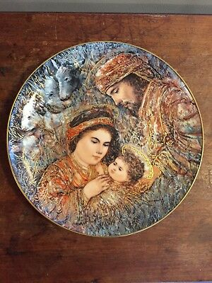 """1990 The Edna Hibel Christmas Plate """"The Nativity"""" Edwin M. Knowles"""
