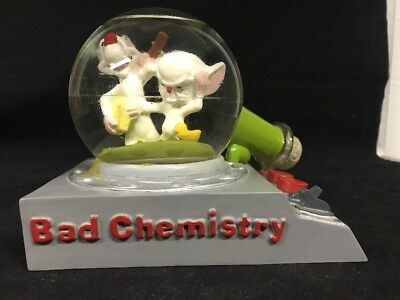 """Pinky And The Brain """"Bad Chemistry"""" Snow Globe Vintage 1990's Warner Brothers B1"""