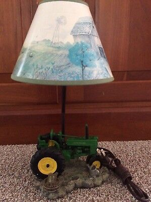 JOHN DEERE Table Lamp~Tractor lamp with windmill Shade~AUTHENTIC JOHN  DEERE