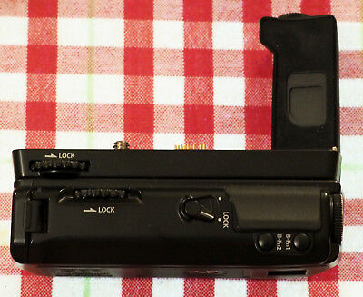Olympus HLD-6 Battery Grip (6G Grip, 6P Batt Pack for E-M5): Excellent Condition