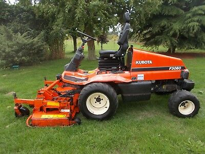 Kubota F3060 Commercial Diesel Outfront Ride Sit On Lawn Mower Garden Tractor