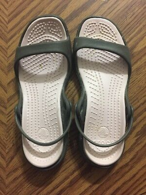 Crocs Cleo Relaxed Fit Sandals Chocolate / Cotton Candy Size Women's 7 USED