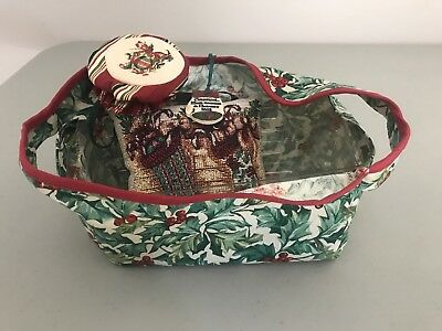 Longaberger 2002 Christmas Traditions Basket Protector, Liner, Amer Holly Pil...