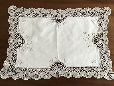 VINTAGE HAND EMBROIDERED Cream ECRU LINEN Lace TABLE CENTRE / TRAY CLOTH 17X12""