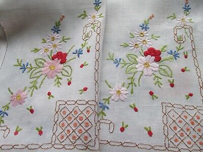 Vintage Hand Embroidered Table/Dress Runner-PRETTY FLORAL'S