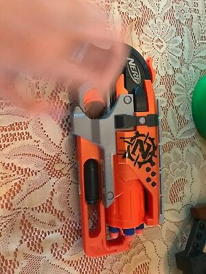 nerf zombie strike hammershot with Darts