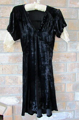 VINTAGE 1930s DRESS, BLACK VELVET w IVORY LACE on SLEEVES, BIAS CUT, BUTTONS