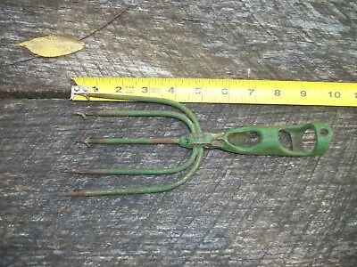 vtg antique cast iron fishing frog gig spear harpoon / eel