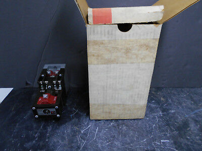 Cutler-Hammer Type M Latched Relay D26Mr402 Series A2